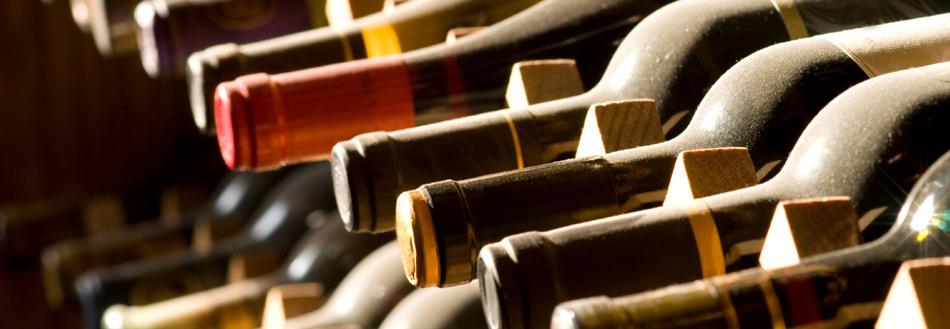 Vinsmagninger! holder vi tit og ofte i den gamle kælder... osse private smagninger! 9/2 - riedel glassmagning  23/2 - whisky  2/3 - gin  9/3 - luksus rom  16/3 - bordeaux  23/3 - portvin